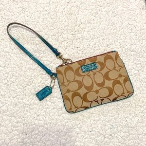 💚Coach Wristlet New without Tags!💚